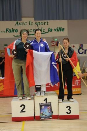 Sélénia sur la première marche du podium devant Jerca PRIMC (slo) et Amanda DUCWORTH (all)