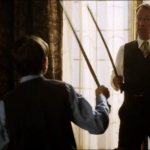 Combat de canne entre Alfred et le jeune Bruce Wayne dans la série Gotham